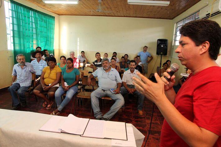 Vereador Fabinho presta seu apoio à Associação do Bocaiuval<br />Foto: Toninho Ruiz