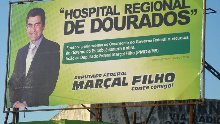 Outdoor divulgado pelo deputado Marçal Filho