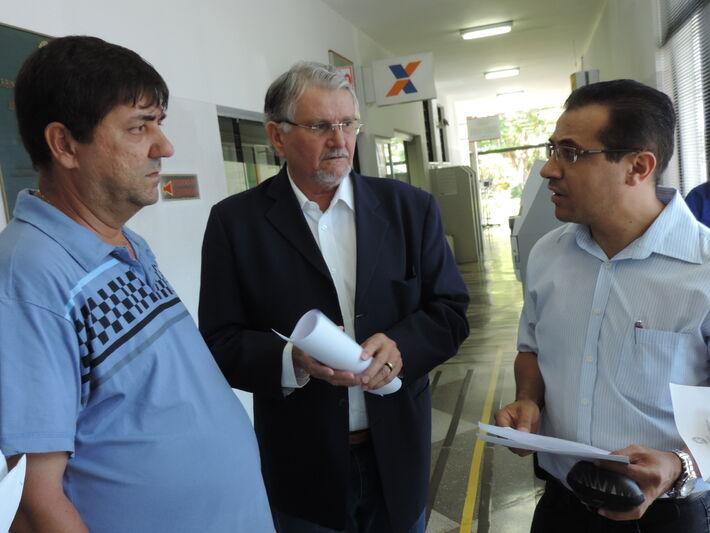 Roberto Botareli, Presidente da Fetems, Vereador Zeca do PT e Paulo Angelo presidente da CDDH / Foto: Clayton Neves