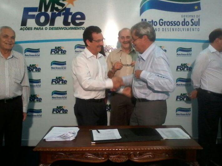 O superintendente Maurício Rodrigues e o governador André Puccinelli (PMDB).