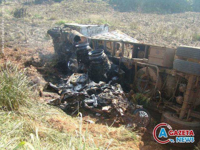 O acidente aconteceu na rodovia BR-163 entra as cidades de Naviraí e Itaquirai.