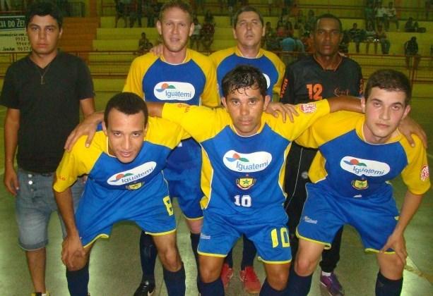 A SESS Agrocampo, de Iguatemi enfrenta a Mercearia Torquete/Caibaté pelas quartas-de-final do Regional de Futsal neste sábado