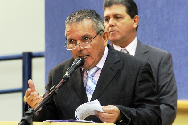 """</p> <p style=""""text-align: justify"""">O vereador Airton Saraiva (DEM) afirmou possuir uma pesquisa que mostra que a quantidade de votos do prefeito de Campo Grande Alcides Bernal (PP) nas eleições passadas caiu 19% em relação ao total. Ele apontou ainda qu"""