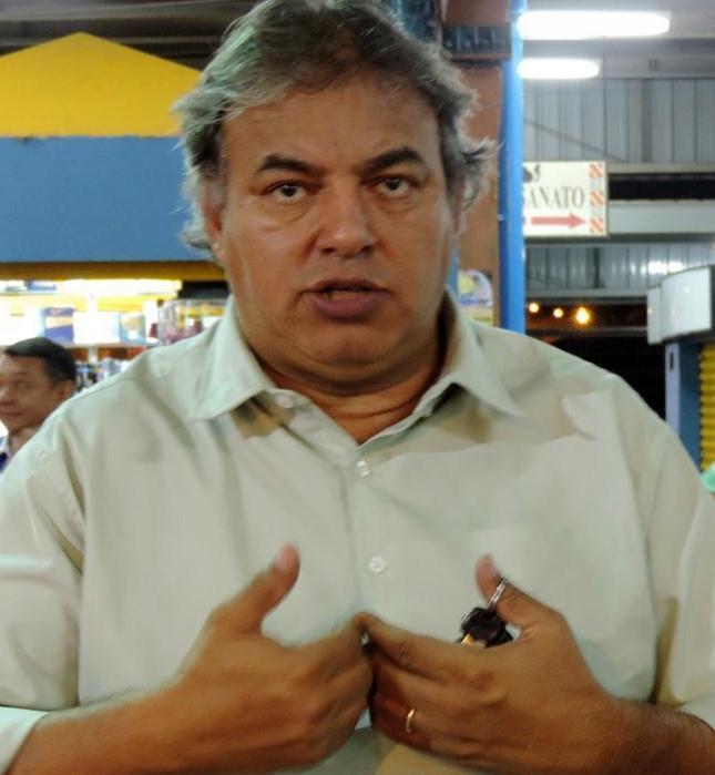 O vereador Alceu Bueno (PSL) tem protagonizado o cenário político da Capital nesta semana devido à incerteza gerada em torno dele em relação ao seu voto na sessão de julgamento do prefeito Alcides Bernal (PP), que começa hoje às 14h.  Alceu tem nego