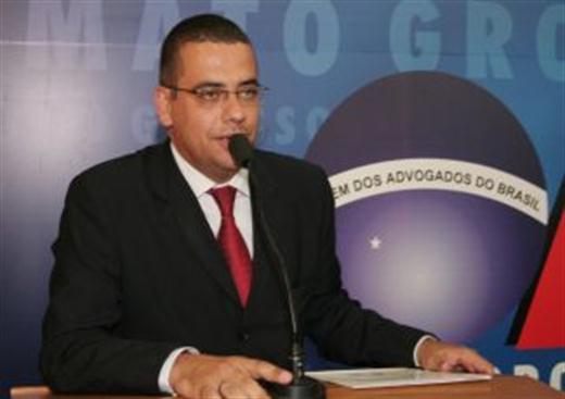 Advogado Alexandre Bastos