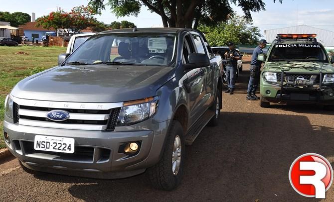Ao constatarem que a caminhonete tinha sido furtada em Campo Grande, os PMs entraram em contatado com o proprietário que foi até Sidrolândia buscar o veiculo.