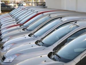 """</p> <p style=""""text-align: justify;"""">O reajuste gradual foi publicado sem o abatimento do Programa Inovar-Auto,criado pelo governo federal para estimular a produção doméstica de automóveis. A empresa que aderir poderá reduzir em 30 pontos percentuais a"""
