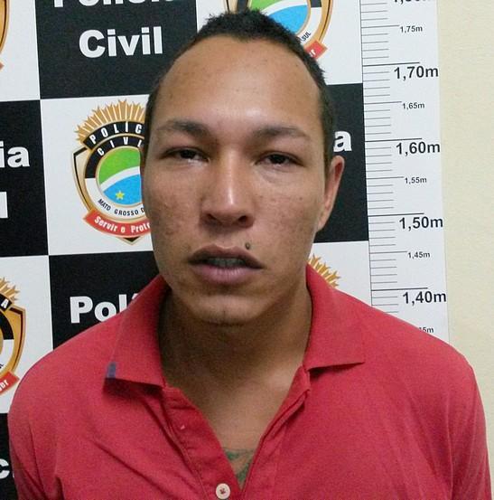 Amilton disse aos investigadores da DEH que matou a vítima a facadas, após um desentendimento.