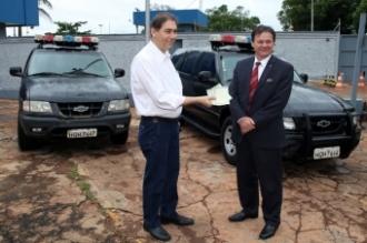 Solenidade de entrega dos veículos com o prefeito Alcides Bernal e o superintendente Edgar Paulo Marcon<br />Foto:César Krügel/ Mário Bueno