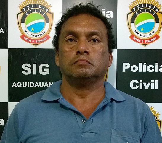 """Flaviano Francisco Coene, 43 anos, mais conhecido como """"Lage"""", foi indiciado por furto, ameaça e porte ilegal de arma de fogo de uso restrito."""