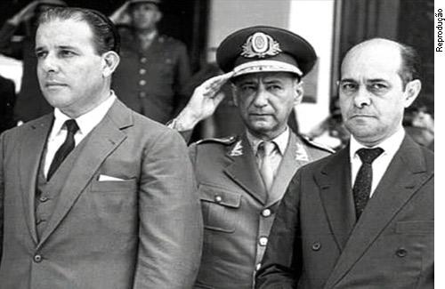 Jango (E), com o primeiro-ministro Tancredo Neves: tentativa de neutralizar golpe militar.