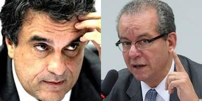À esquerda, ministro da justiça José Eduardo Cardozo, à direita, secretário estadual de energia de São Paulo, José Anibal