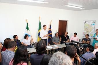 Com a presença de artistas e representantes culturais, Bernal disse que a cultura de Campo Grande poderá contar com um orçamento de aproximadamente 9,6 milhões.