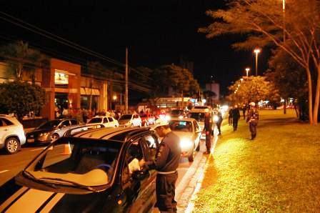 """A operação faz parte das ações do policiamento especial para o fim de ano em Campo Grande, chamado """"Natal Feliz Cidade"""""""