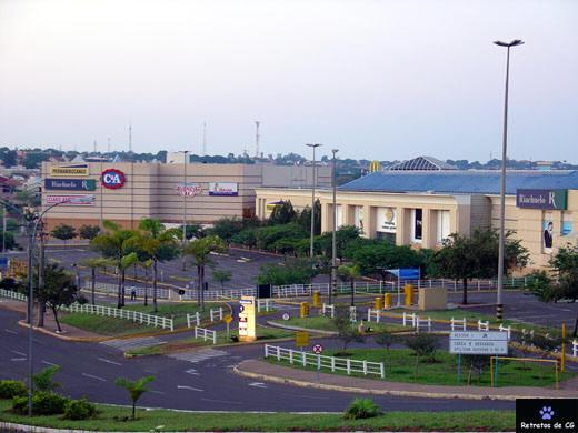 Em 2013, ano em que o pioneiro e maior Shopping da Capital completou 24 anos de funcionamento.