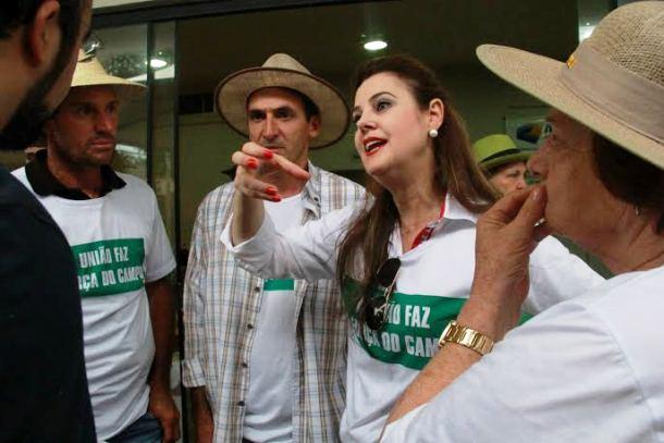 """</p> <p style=""""text-align: justify"""">A deputada estadual Mara Caseiro (PTdoB) após a realização do Leilão da Resistência, no sábado (7), na sede da Acrissul (Associação dos Criadores de Mato Grosso do Sul), espera que a presidente Dilma Rousseff solucion"""