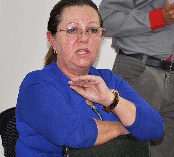 secretária Leila Couto comunicou ao vereador Nélio Paim, que viabilizou os recursos junto ao deputado Fábio Trad, o depósito de R$ 150 mil da emenda parlamentar para a compra de dois veículos e de equipamentos para as unidades<br />Foto: Divulgação