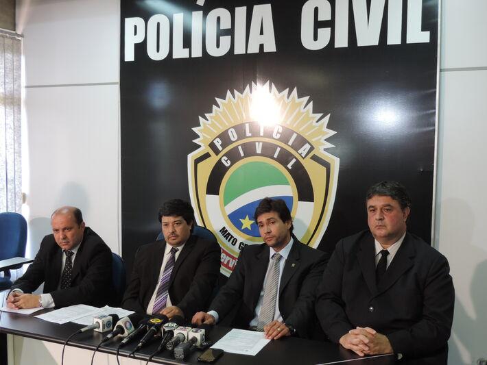 Coletiva de imprensa para esclarecimento do caso de policial morto<br />Foto: Klemerson Rocha