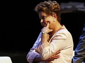 """Questionada se o fato de a agenda ter sido revelada não afeta sua imagem de austeridade, Dilma respondeu que já se acostumou com notícias negativas. """"Cheguei a um ponto em que o couro ficou duro"""", disse ela.  Dilma estava na Suíça participando do Fó"""