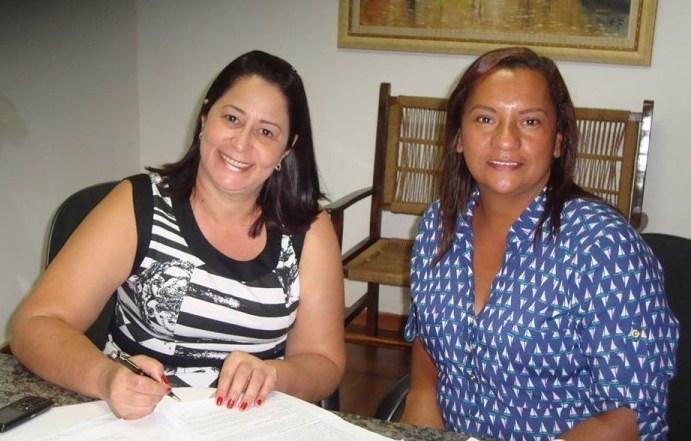 Prefeita Nilcéia juntamente com a vice-prefeita Sandra Barbosa<br />Foto: Assessoria