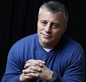 </p> LeBlanc, 46 anos, dos quais dez interpretando o estúpido, mas amável Joey Tribbiani em Friends, ganhou um novo sopro de vida na TV como o rude e irresponsável personagem Matt LeBlanc no seriado<em>Episodes</em>, do Showtime, um papel que já lhe val