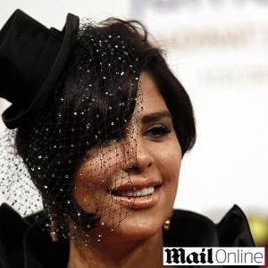 Shams Al-Aslami, 33, cantora do Kuwait<br />Foto: Reprodução/Daily Mail
