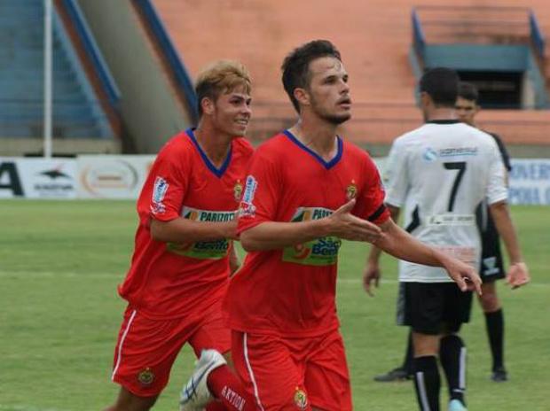 João Leandro comemora o gol marcado contra o Ubiratan, na estreia<br />Foto: Divulgação