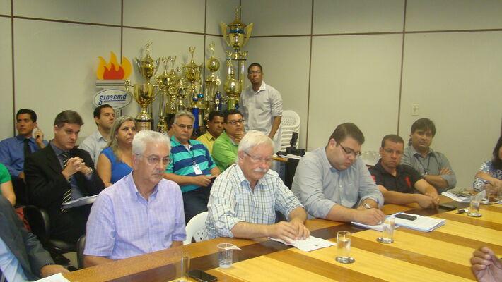 A adesão dos vereadores e das entidades aconteceu na manhã desta segunda-feira em reunião no Plenarinho da Câmara Municipal de Vereadores. Antonio Nogueira, presidente da ACED, disse que o objetivo de incentivar a participação de eleitores entre 16 e