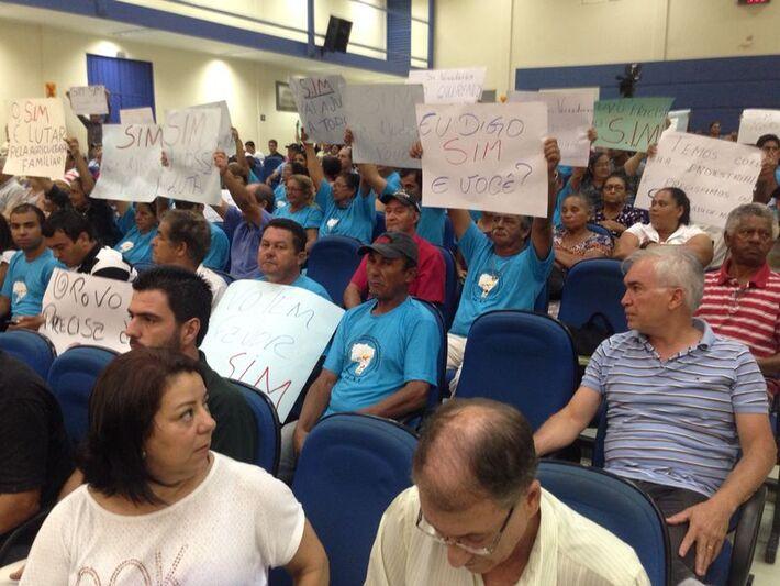 Pequenos produtores protestam pela aprovação do SIM (Selo de Inspeção Municipal)<br />Foto: Marcelo Calazans