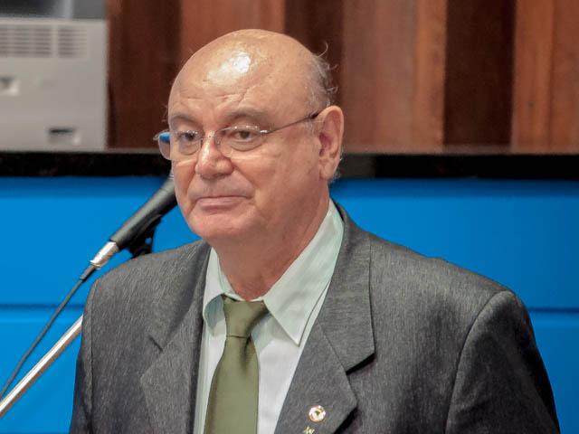 O deputado Laerte Tetila (PT) afirmou que a Missão Evangélica Caiuá funciona como um escritório central para repassar verbas destinadas à saúde dos índios por oito estados (Foto: Marcelo Calazans)