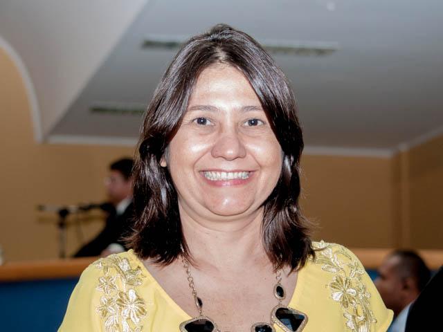 A vereadora Luíza Ribeiro (PPS) acredita que essa harmonia entre Bernal e vereadores é o passo principal para a solução de problemas na Capital (Foto: Marcelo Calazans)