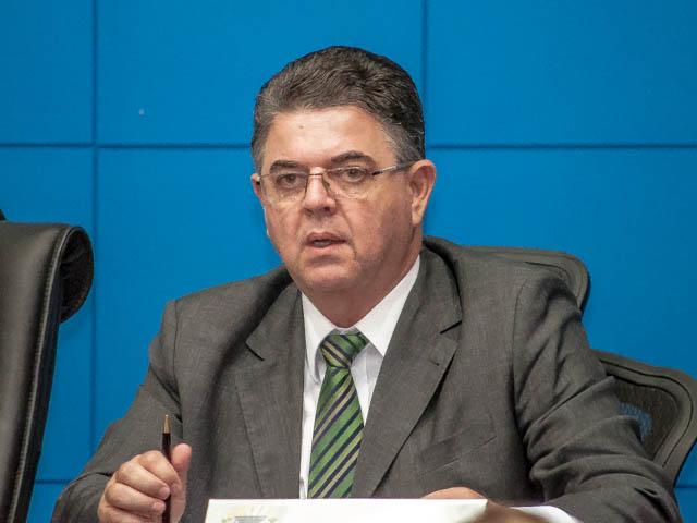 O deputado Marcio Monteiro (PSDB) garante que seu partido daria prioridade para os pequenos municípios se destacarem (Foto: Marcelo Calazans)