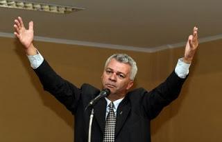 O deputado acredita que os grandes veículos de comunicação tentam denegrir a imagem da presidente Dilma Rousseff (Foto: Reprodução)