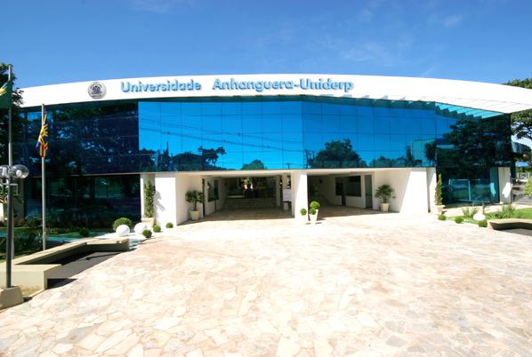 A universidade Anhanguera-Uniderp oferece mais de 30 cursos de especialização nas áreas de Arquitetura e Urbanismo, Ciências Exatas e Agrárias, Ciências Humanas e Sociais, Ciências Sociais aplicadas ao Direito, Engenharia, Linguística e Artes, nas modali