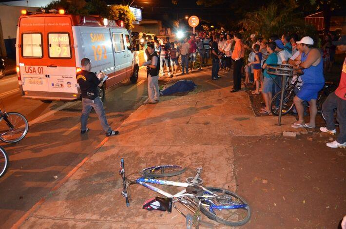 O aposentado José Paulino da Silva, de 68 anos, morador na Rua Clovis Bevilaqua na Vila Seac, morreu atropelado na da noite deste sábado próximo ao supermercado Super 10, na região da Cohab ll, em Dourados. Ele estava de bicicleta e voltava para casa da i