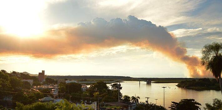 Na quarta-feira, INPE indicava que Corumbá havia sido a cidade brasileira que mais registrou focos de queimadas num intervalo de 48 horas<br />Foto: Diário Corumbaense