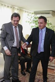 Senador Moka (PMDB) e deputado federal Vander Loubet (PT)<br />Foto: Divulgação