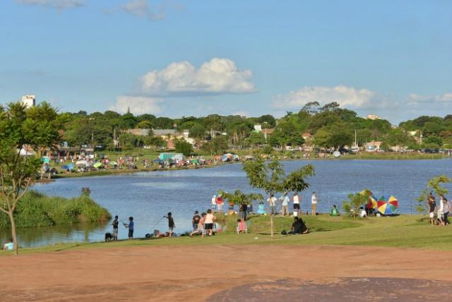 Vista aérea do Parque Ambiental Antenor Martins de Dourados que poderá ganhar um restaurante em seu interior<br />Foto: Divulgação