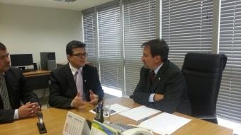 Prefeito Gilmar Olarte em reunião com ministro das Cidades Gilberto Occhi<br />Foto: PMCG