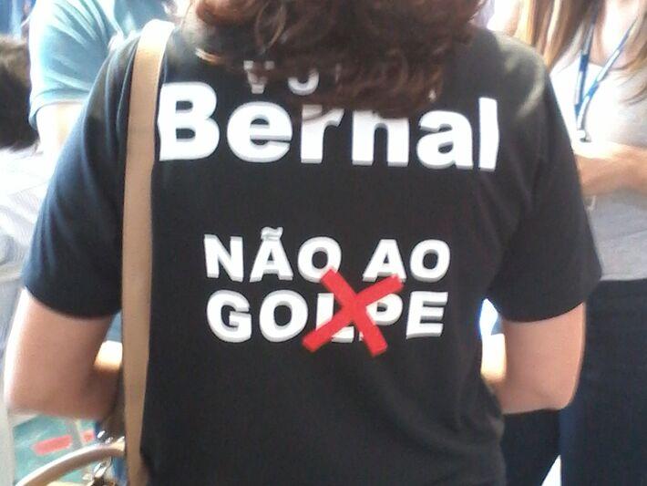 Frase estampada nas camisetas<br />Foto: Diana Christie