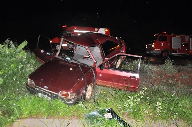 De acordo com informações colhidas no local, o acidente aconteceu quando o veículo Ford Escort, placas: HQF-3976 de Campo Grande (MS), que seguia no sentido Silviolândia – Coxim apagou na rodovia e o veículo VW Gol, placas: HRU-8926 de Rio Verde de MT (MS