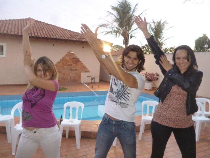 A dupla Patrícia e Adriana se reencontra com os amigos em Campo Grande (Foto: Divulgação)