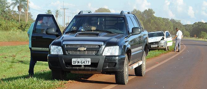 Os dois veículos vinham na BR 060 no sentido Maracaju/Sidrolândia<br />Foto: Região News