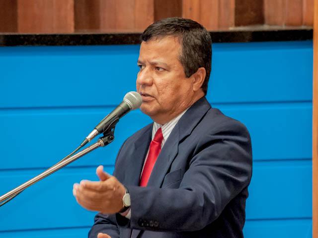 De acordo com Amarildo, a população pediu lisura na realização das provas e o correto é publicar todas as informações sobre o concurso (Foto: Marcelo Calazans)