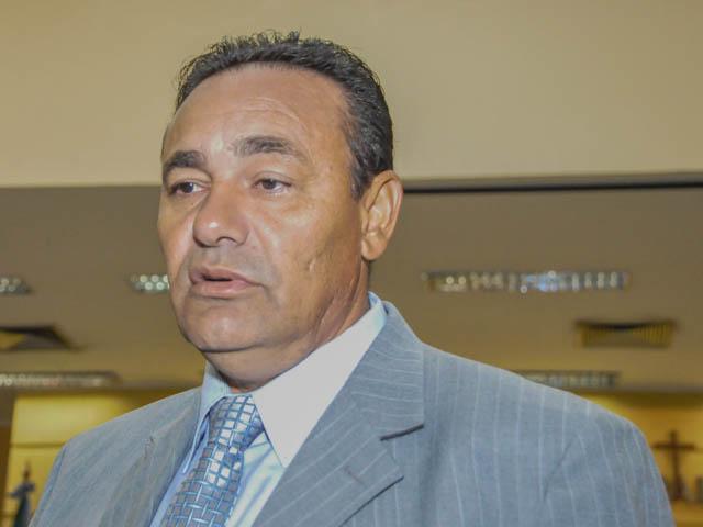 Vereador Carlão (PSB) afirma que base do partido prefere coligação com pré-candidato do PT Delcídio do Amaral<br />Foto: Marcelo Calazans