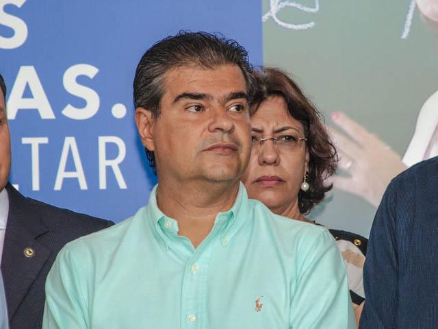 O pré-candidato do PMDB garante que precisa de pessoas jovens do seu lado (Foto: Marcelo Calazans)