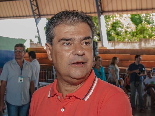 O pré-candidato ao governo do Estado pelo PMDB, Nelson Trad Filho afirma que terá cautela na escolha de seu vice para as eleições de 2014 (Foto: Marcelo Calazans)