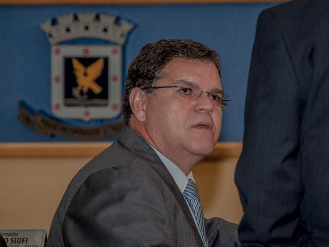 O vereador Paulo Pedra (PDT) votou contra a cassação do prefeito e disse que acredita na inocência de Bernal (Foto: Marcelo Calazans)