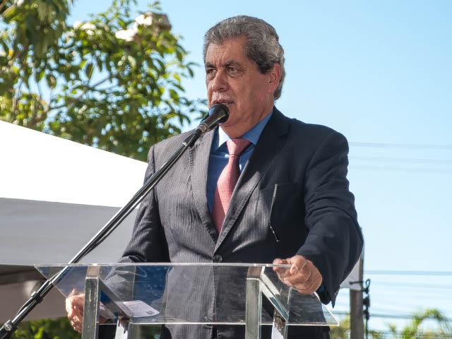 O governador deve se reunir com Thie Higuchi Viegas dos Santos e com Jader Rieffel Julianelli Afonso para definir se cancela ou não o concurso (Foto: Marcelo Calazans)