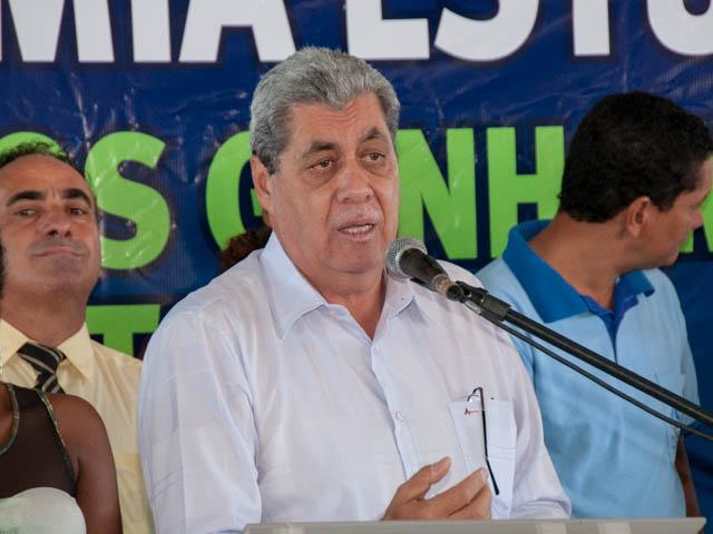André Puccinelli (PMDB) espera que o governador que assumir Mato Grosso do Sul em 2015 continue premiando os alunos (Foto: Marcelo Calazans)